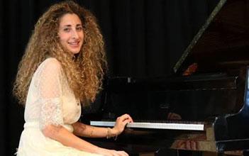 Maria Giulia Lari autrice